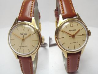 Anker Goldene Vintage Damenuhr Mit Neuem Armband Handaufzug Bild
