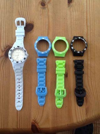 Armbanduhr Mit Wechselgehäuse Bild