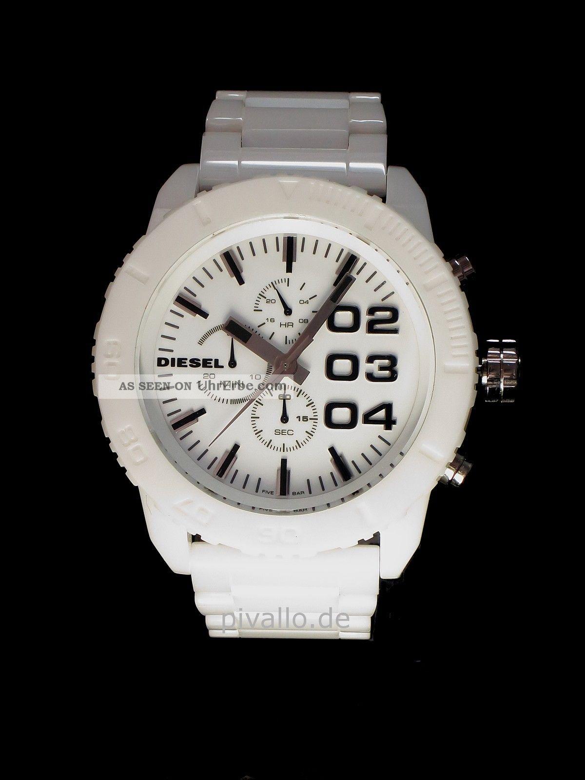 Weiße Diesel Uhr