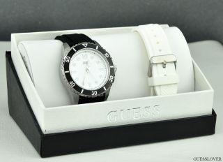Uhr Guess Schwarz Weiß Gummi Boxed Herren Neuf U0277g1 Deu Bild