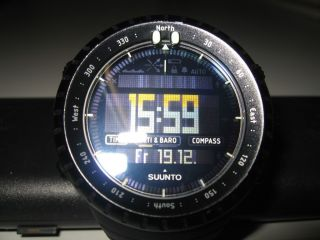 Suunto Core All Black Outdooruhr Bild