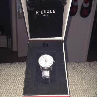 Kienzle Herrenuhr Armbanduhr Schwarzes Lederband 1822 Bild