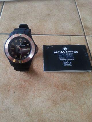 Alpha Saphir Silikon Uhr Bild