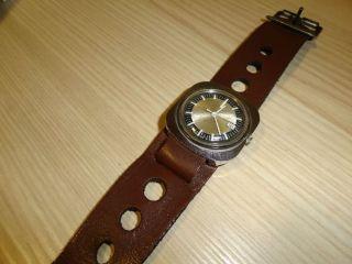 Timex Herrenarmbanduhr 70er Jahre Mit Datumsanzeige Lederarmband Bild
