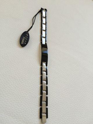 Herrenarmband Armband Schwarz Und Silber Aus Edelstahl Mit Gravurplatte Bild