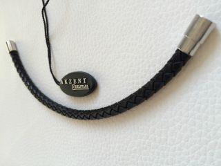 Armband Schwarz Mit Verschluss Aus Edelstahl Modern Stilvoll Design Bild