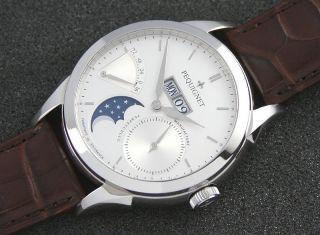Pequignet Rue Royale Day Date Mondphase Gangreserve Silver Dial Ungetragen Bild