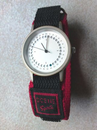 Sportliche Seltene Quarz Uhr Sehr Schick Neue Batterie Quartz Neues Armband Bild
