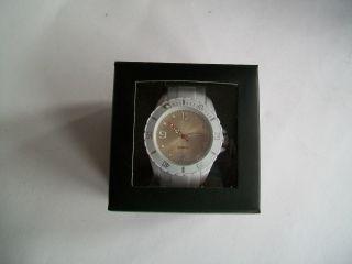Uhren - Farbe Weiß - Kaufen Bild
