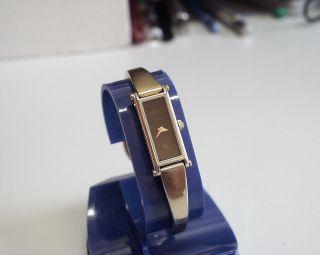Zierliche Und Servicesierte - Gucci 1500 Damenuhr Aus Edelstahl Bild