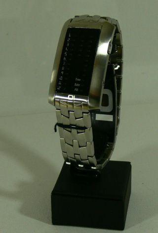 Oi The One Armbanduhr/ibiza Ride/ Mod - Ir702rb2/ Led - Anzeige/ Neu&ovp 24 Bild