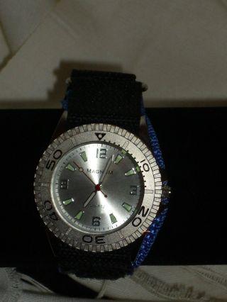 Analoge Armbanduhr Herren Textilband Sport Freizeit Uhr Schwarz / Blau Neuware Bild