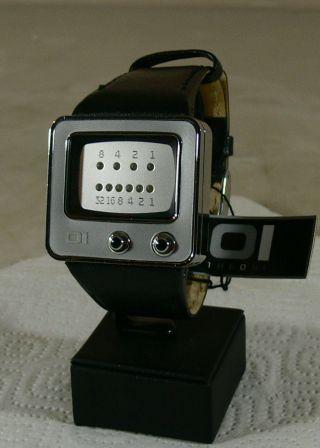Oi The One Herren - Armbanduhr/ Uhr/ Mod - Tv109b1/ Binary Watch/ Tv Form - Neu&ovp 2 Bild