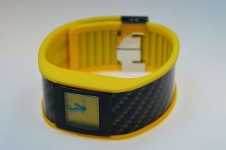 Uranium Watch - Gelbes Armband Mit U - Skin Carbon 110 - 0004 Bild