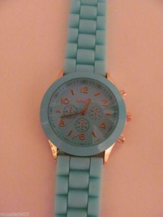 Armbanduhr Mit Silikonarmband In Grün (türkis) Der Marke Geneve Bild