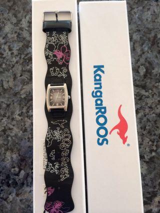 Kangaroos Damen Armbanduhr Mit Lederarmband In Schwarz Weiß Lila,  Batterie Bild