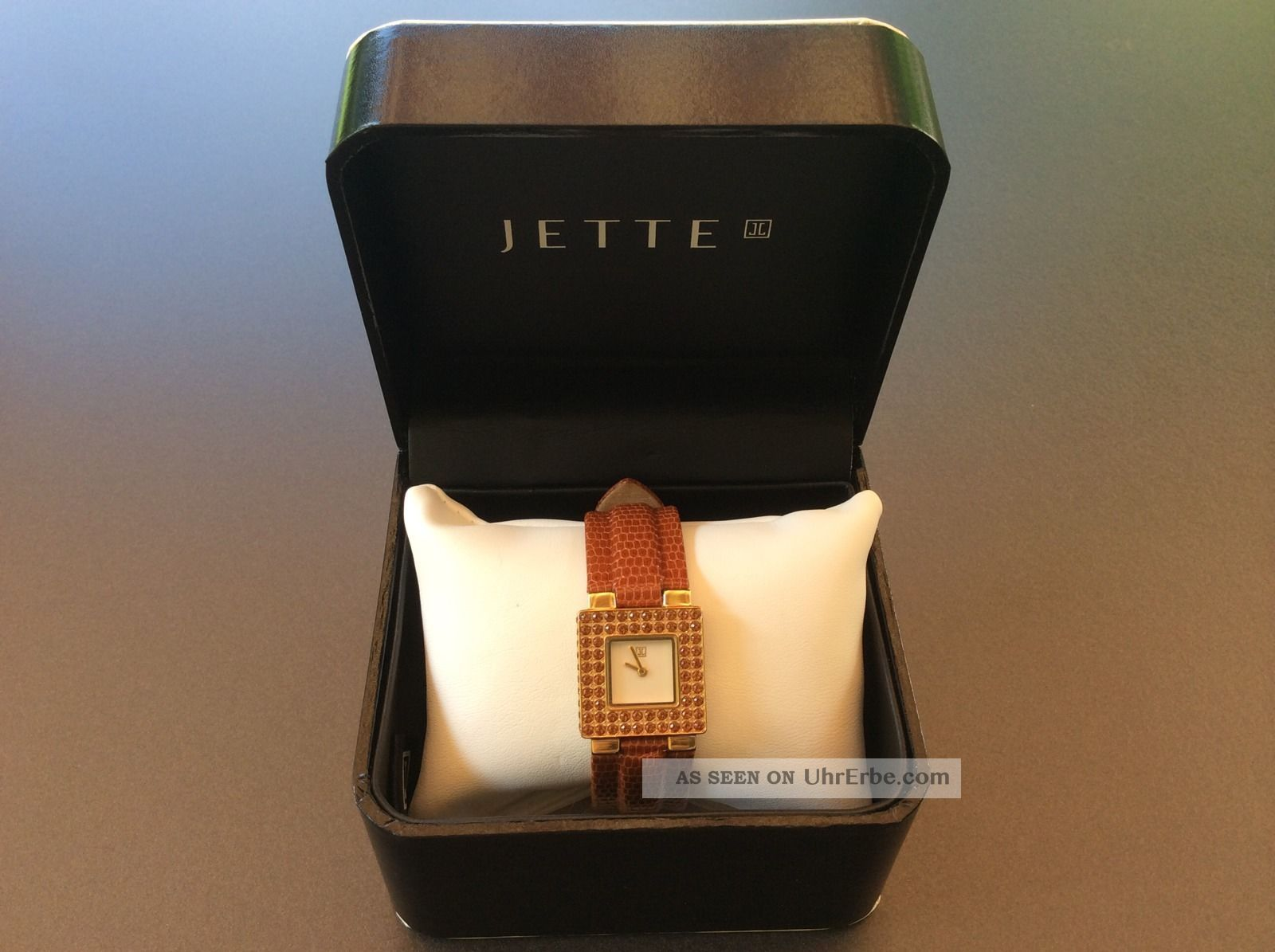 Jette Joop Armbanduhr Goldfarbiges Gehäuse Mit Braunem Lederarmband Wie Armbanduhren Bild