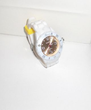 Sanda - Armbanduhr Silikon Armband Weiß Ziffernblatt Helles Gelb Bild