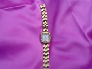 Damenarmbanduhr Ik Mit Straßverzierung Und Gliederarmband Bild