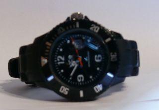 Ice Watch Schwarz 28mm Gehäuse Ideal Für Kids Da Nur 2 X Getragen Bild