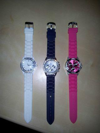 Armbanduhren 3 Stück Frau Oder Kind Modern Bild