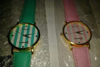 Zwei Armbanduhren Bild