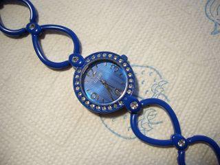 Colours Uhr Damenuhr Blau Mit Kristallen Bild