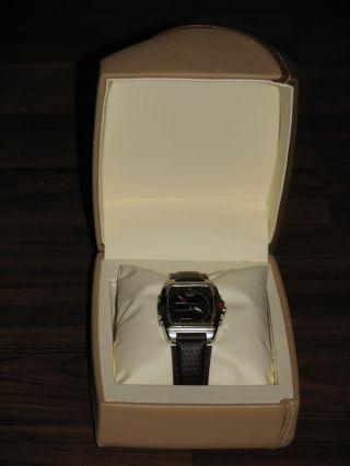 Casio Armbanduhr Wie,  Thermometer,  Weltzeit Etc.  Vieles Mehr,  Gratis Uhrenbox Bild