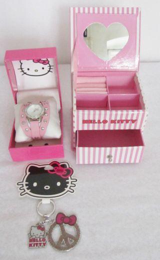 Hello Kitty 3 Teiliges Geschenkset Armbanduhr,  Schmuckkasten & Schlüsselanh, Bild