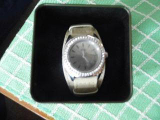 Neuwertige Armbanduhr Klassisch Elegant Von Esprit Bild