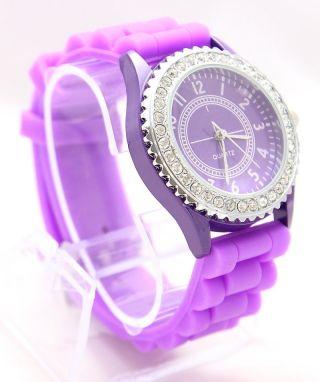 Damenuhr Armbanduhr Mit Strass Verziert In Pink Bild