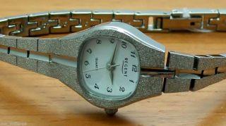Regent 6831.  79.  99 Damenuhr Schmuckband Uhr Quartz Bild