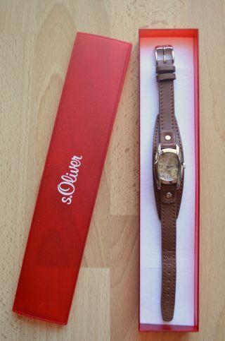 S.  Oliver Uhr Mit Echtem Lederband,  Originalverpackung Und Etikett - Silber/gold Bild
