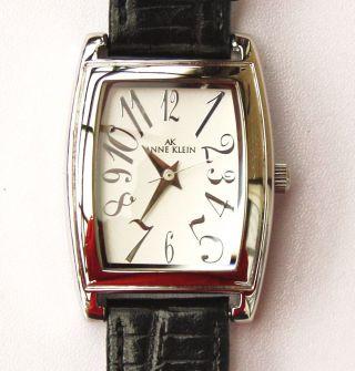 Damenuhr Anne Klein Leder Armband Epson Werk Y121e Mit Neuer Batterie.  Top Bild