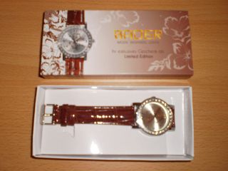 Damen Armbanduhr,  Braunes Lederarmband,  Silberfarbiges Zifferblatt Strass Floral Bild