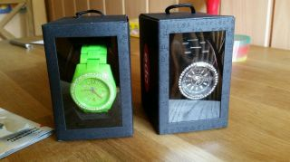 2 Neue Uhren Von Esprit Np: 99,  80€ Bild