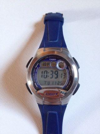 Casio Dual Time Armbanduhr W - 752 Bild