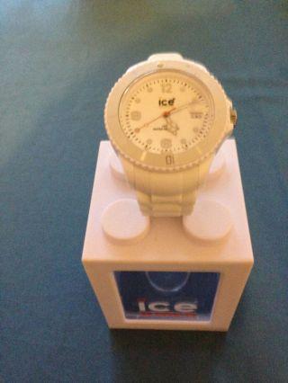 Verkaufe Hier Meine Weiße Ice - Watch Uhr Die Nur 2 Mal Getragen Wurde. Bild