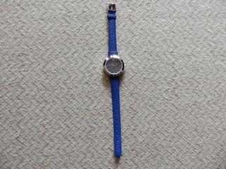 Sehr Schöne,  Elegante Armbanduhr,  Dunkelblaues Zifferblatt Mit Strasssteinen Bild