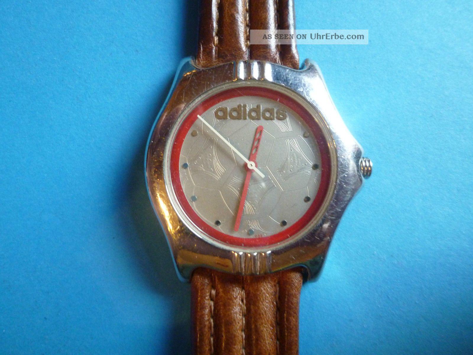 Ältere Armband Uhr Von Adidas Mit Lederband.  Die Uhr Läuft Armbanduhren Bild