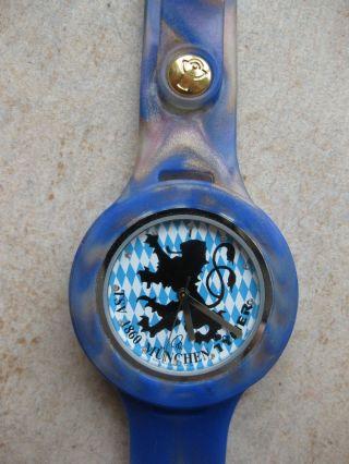 Tymer Uhr 1860 München Kautschuk Fußball Löwe Armbanduhr Bild