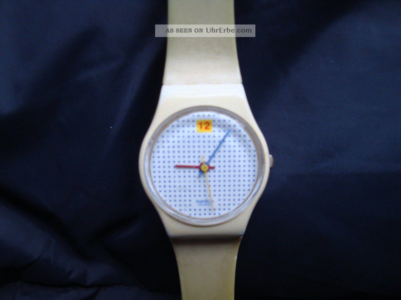 Altes Model Swatch Uhr Sammlerstück Weiß Armbanduhren Bild