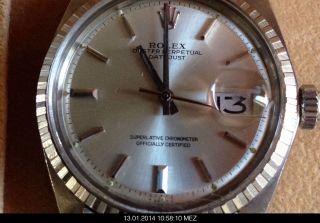 Chronometer,  Verschraubte Krone,  Stahlarmband Bild