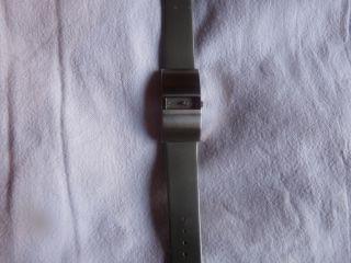 Dkny Armbanduhr Grau Mit Steinchen Bild