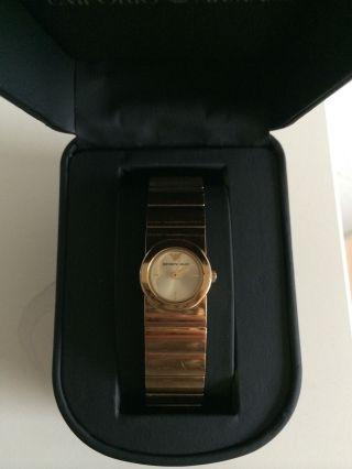 Armani Uhr Vergoldet Bild