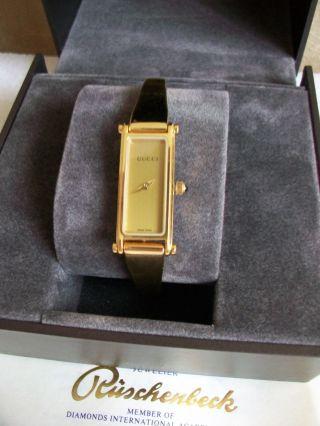 Gucci Damenuhr Spangenuhr Gold Analog Modell 1500 Neuwertig Bild