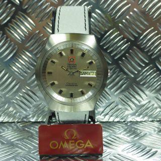 LÄssig Vintage Xl Omega Chronometer Day Date Stahl F300 Hz Armbanduhr Herrenuhr Bild