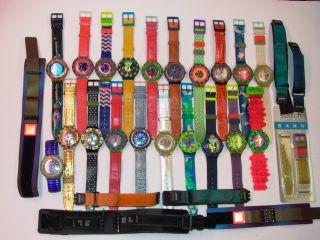 20 Swatch Scuba Uhren Mit Neuen Batterien,  8 Passende Armbänder Aus Sammlung Bild