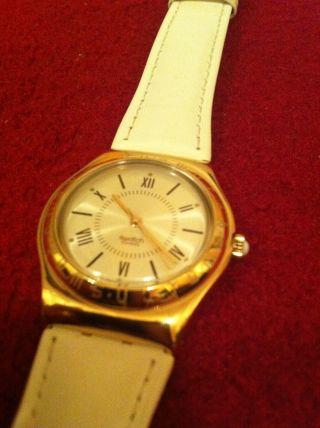 Swatch Irony Gold Mit Weißem Lederband,  Ungetragen Aus Sammlung,  Edel Bild
