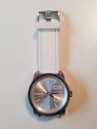 Diesel Uhr Weiß Bild